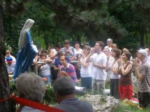 Dechtice-Trnava-Slovensko-zjeveni-Panny-Marie-Kralovny-pomoci