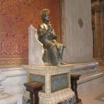 socha pohanského Jupitera, ktorú katolíci prekrstili na Sv. Petra